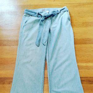 Loose fit J Crew City Fit jeans, size 6